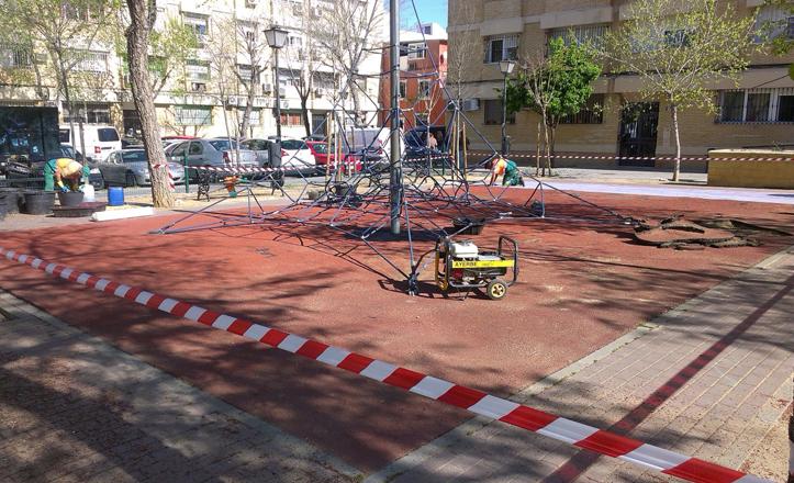 Detalle de las obras en la Plaza Poeta Miguel Hernández