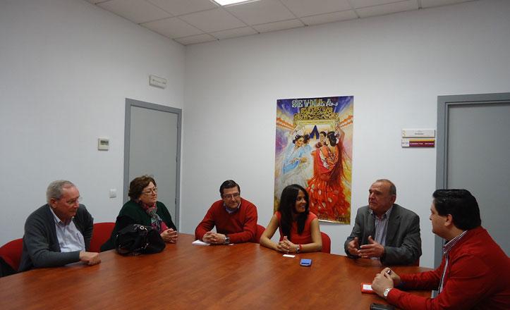El distrito Macarena se reúne con vecinos de Santa María de Ordás V Fase