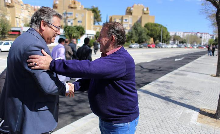 El alcalde de Sevilla, Juan Ignacio Zoido, visita Pino montano tras unas importantes actuaciones de mejora