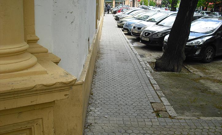 Situación actual del acerado en la calle Gonzalo Bilbao