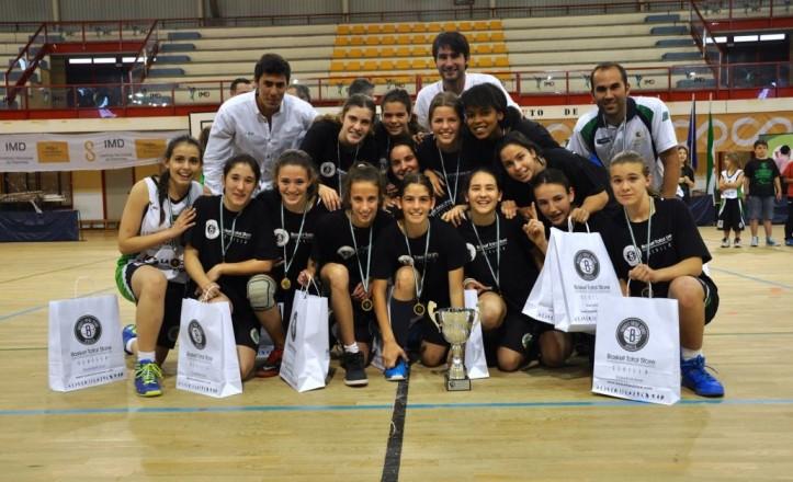 Las jugadoras del CD Careba, ganadoras de la Final Provincial de Baloncesto Infantil Femenino