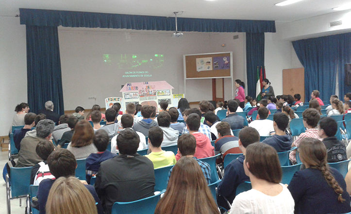 Momento del encuentro entre alumnos de diferentes Centros Educativos en «Imaginemos nuestros barrios»