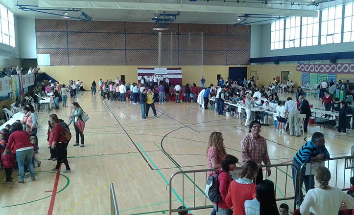 Momento de «Bellavista en positivo», un evento lleno de actividades deportivas, musicales y de participación escolar.