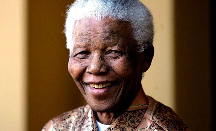 La importante figura de Nelson Mandela se recordará en una rotonda de Sevilla Este.