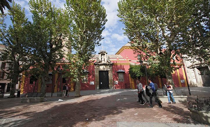 La plaza de San Lorenzo, lugar al que llegará la línea de autobuses C5.