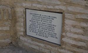 Inscripción de la Cruz del Campo con motivo de su restauración en 2008