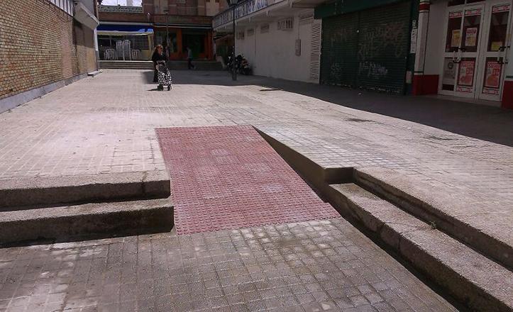 Mejoras en la accesibilidad de la calle Puerto Zegri