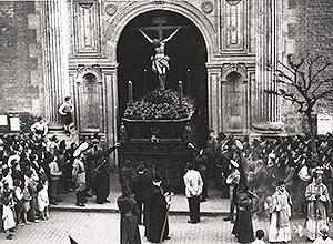 Salida de la iglesia de la Anunciación