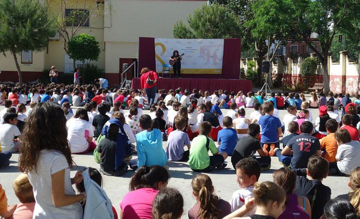 Los centros escolares de la Macarena celebran la semana cultural