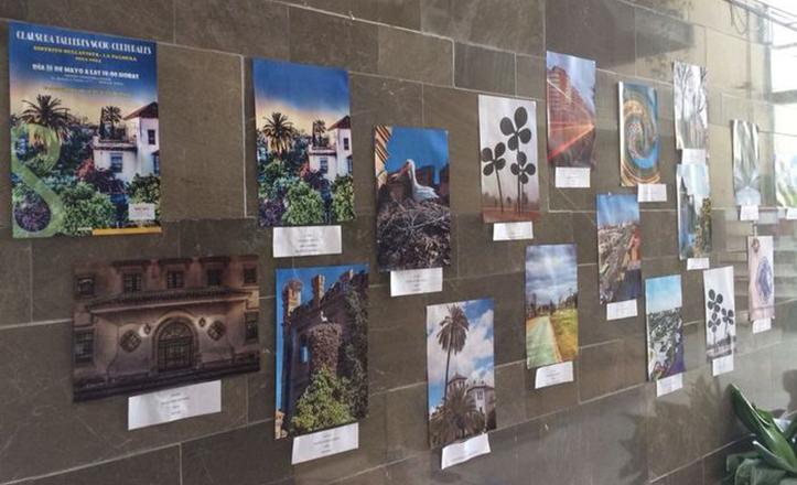 Exposición de fotografías por la gala de clausura de talleres socioculturales de Bellavista-La Palmera