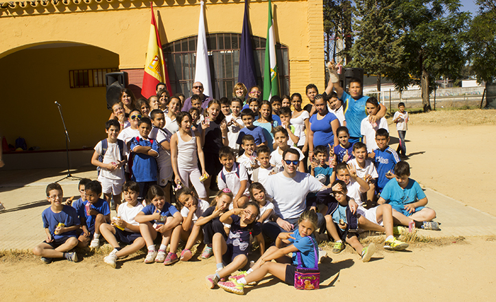 Foto de familia del colegio Corpus Christi