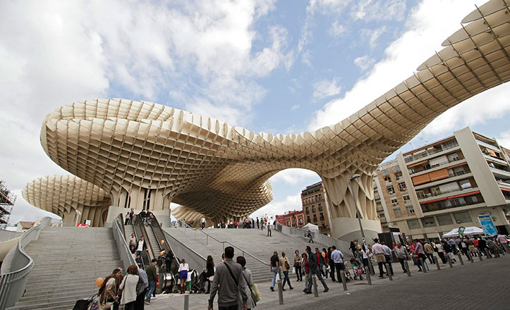 Una gymkana en el centro de Sevilla para celebrar el Día de Internet
