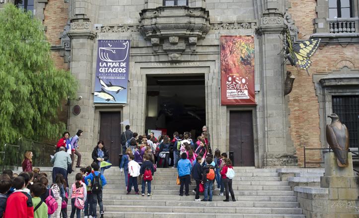 El pabellón de Perú para la Exposición iberoamericana de 1929 ofrece visitas culturales