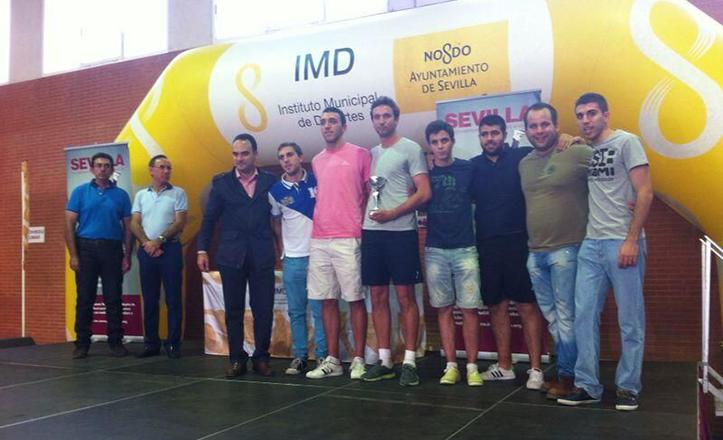 Clausura de los Juegos Deportivos Municipales en Bellavista, con el delegado del Distrito, Rafael Belmonte