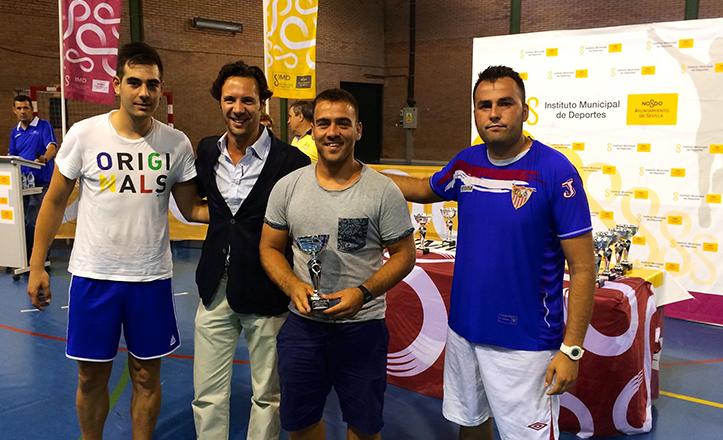 El Delegado del Distrito Cerro-Amate, José Miguel Luque en la clausura de Juegos Deportivos Municipales