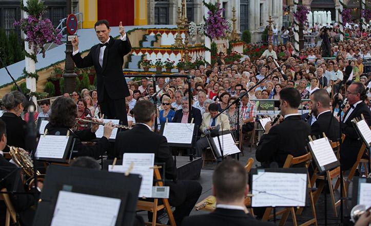 Concierto de la Banda Municipal en la Plaza de San Francisco