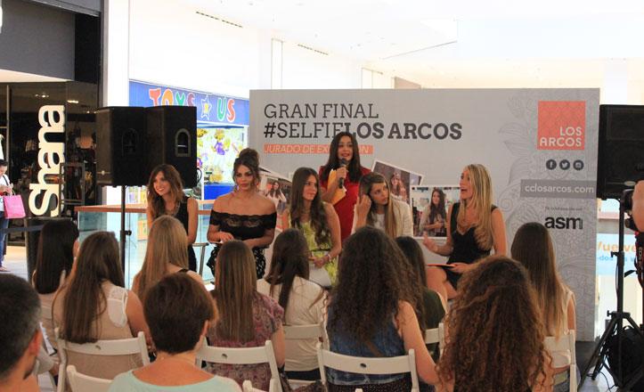 El Centro Comercial Los Arcos premia con 500 euros el mejor «selfie» de moda