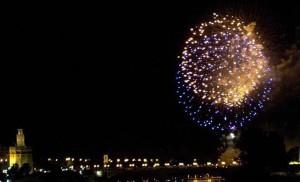 Los fuegos de la Feria de Abril han cumplido 150 años este 2014.