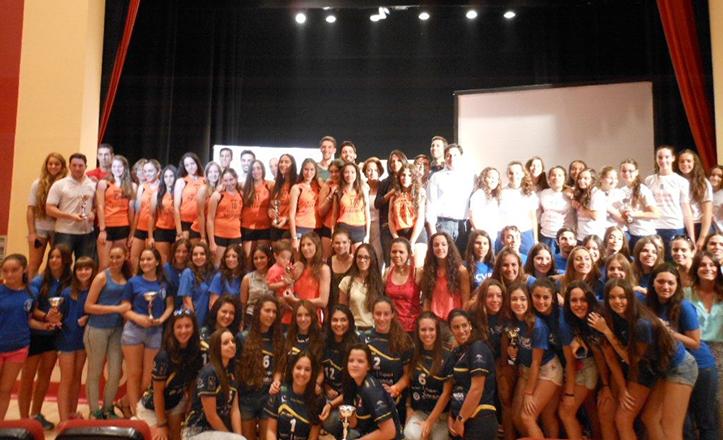 Entrega de trofeos de los Juegos Deportivos del distrito Macarena