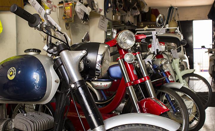 Cuantiosas motos, las de «er Botica»