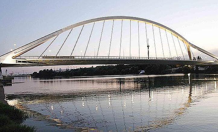 Comienzan las obras del pavimento del Puente de la Barqueta