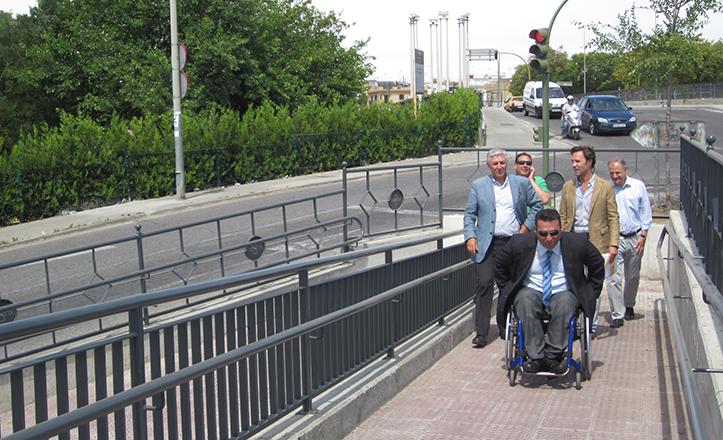 Nueva rampa de acceso en la Ronda de Padre Pío