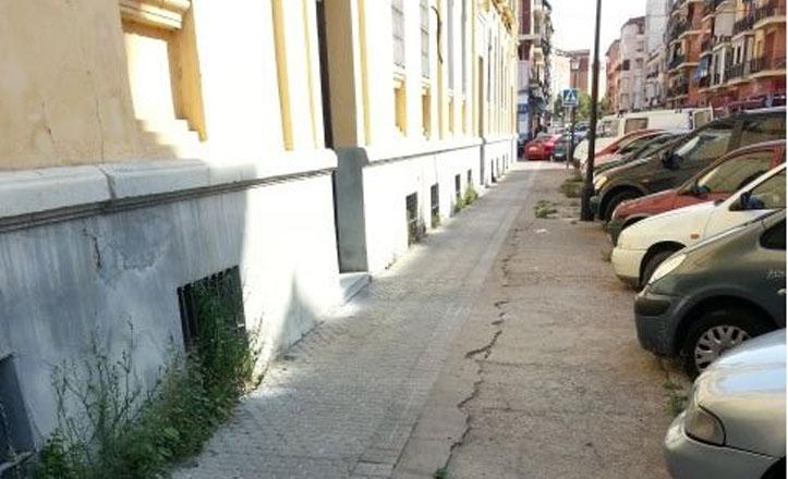 El Distrito renovará el acerado de la calle Padre Méndez Casariego