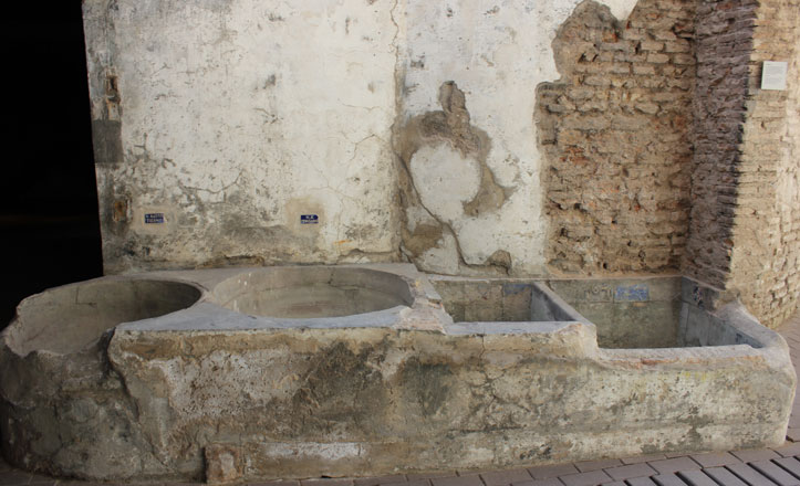 Las siete piezas más relevantes del Museo de la Cerámica de Triana