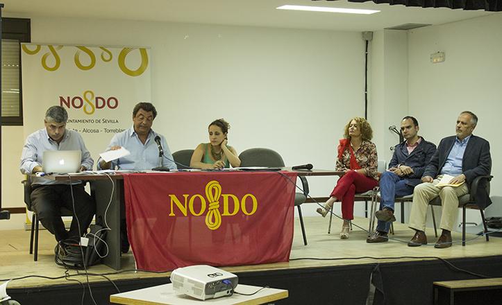 Momento del Debate de Estado del Distrito Este-Alcosa-Torreblanca, con Adela Castaño, Rafael Belmonte y José Luis García