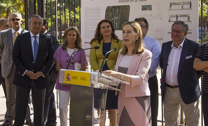 La ministra de Fomento, Ana Pastor, en la presentación del proyecto de mejora en la accesibilidad de la estación de Bellavista y creación de la estación de la Salud