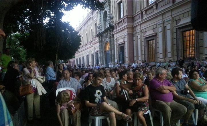 «Noches de Teatro en el Casco Antiguo», como por ejemplo, en la plaza del Museo