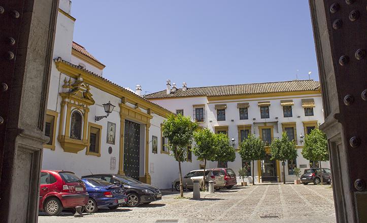 La Plaza de Jesús de la Rendención, desde el interior del antiguo Palacio de Villapanés