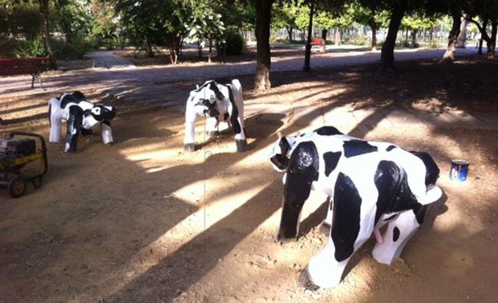 Vacas de los Jardines de la Buhaira, diversión para los más pequeños