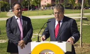 El alcalde Zoido, en la inauguración del Parque Río Guadaira