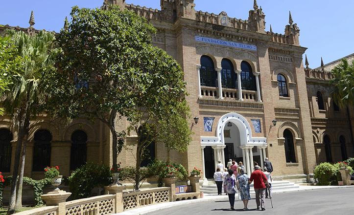 Imagen reciente de la fachada principal de la histórica Casa Cuna, ya como Fundación San Telmo / Millán Herce
