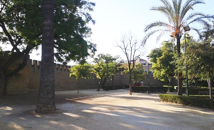 Los Jardines del Valle se alzan sobre el antiguo solar de la Real Fábrica de Salitre / Fran Piñero