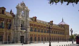 Fachada principal del Palacio de San Telmo, Seminario durante casi todo el siglo XX / Fran Piñero