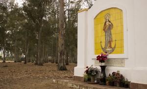 Retablo al que peregrina la hermandad del Inmaculado Corazón de María / Fran Piñero