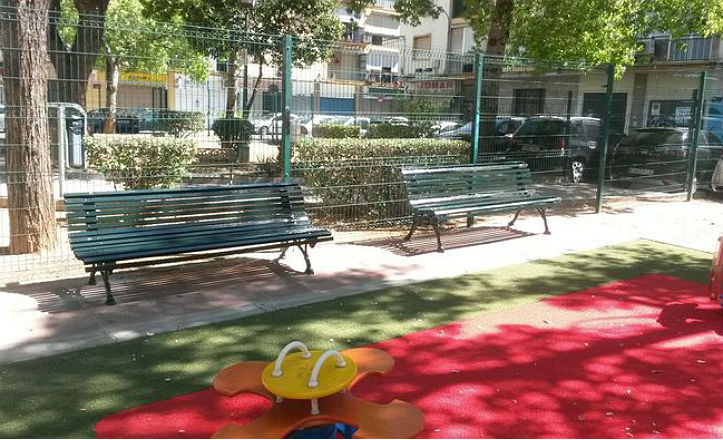 bancos-parque-infantil-macarena