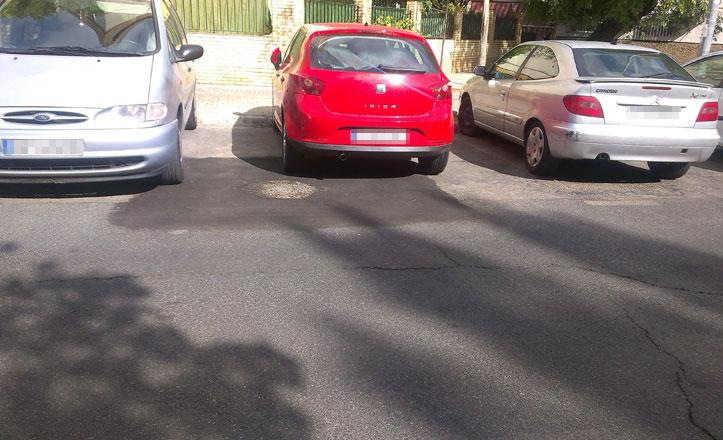 Arreglan un socavón en la calle Doña Francisquita