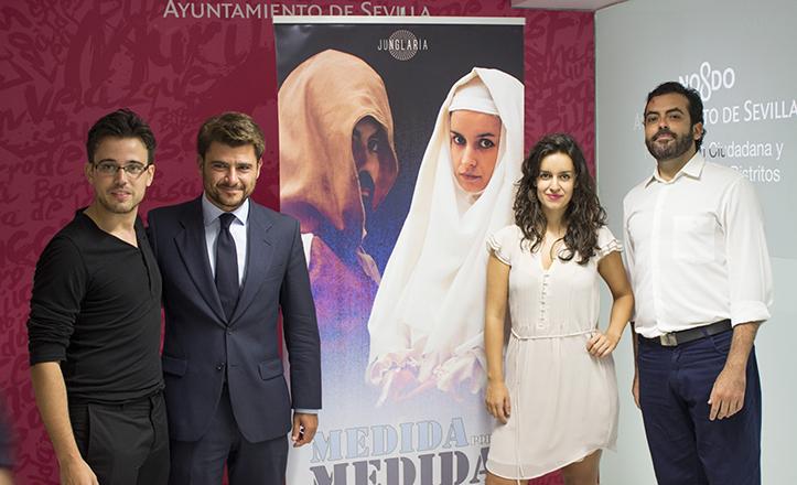 Beltrán Pérez con Antonio Raposo, Heroína Marcos y Nestor Barea, de Junglaría / Fran Piñero