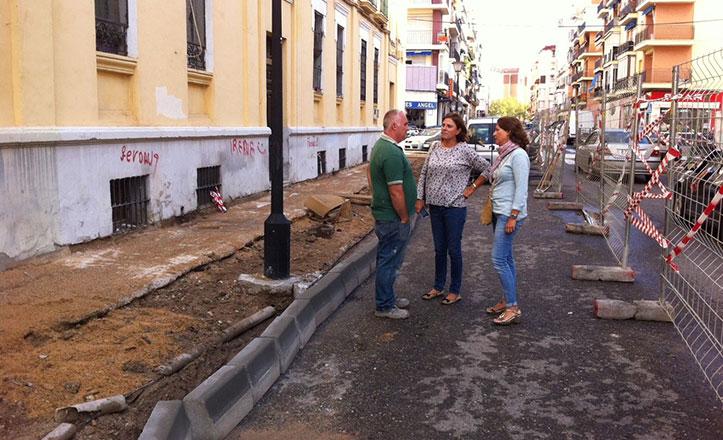 Avanzan a buen ritmo las obras del acerado en Padre Méndez Casariego