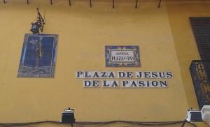 Coexistencia en la memoria y en el azulejo / F. Piñero