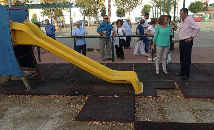 Espadas y Castaño en la plaza Salvador Valverde de Torreblanca
