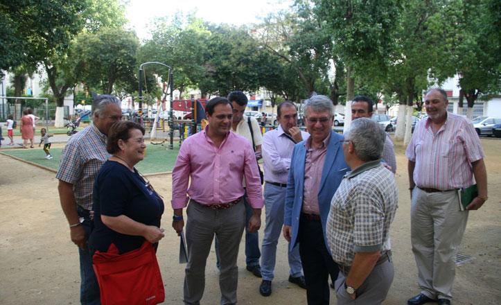 Los vecinos del Zodiaco apuestan por trabajar en coordinación con Lipasam