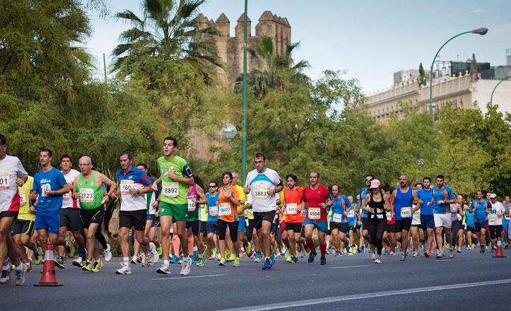Unos 10.000 inscritos en la carrera del Casco Antiguo