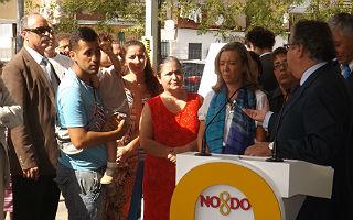 Jesús García hablando con el alcalde