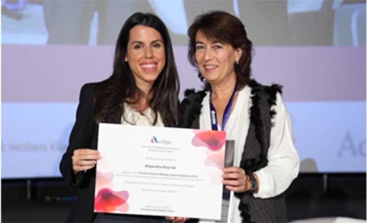 Alejandra Díaz recibe el primer premio Aedipe al Joven Talento en Madrid