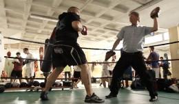 El «Bigotes» de Rochelambert entrenando a sus pupilos en el gimnasio