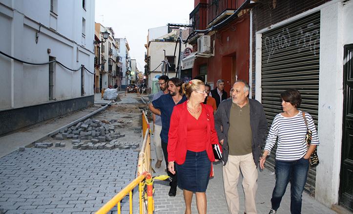 José Manuel García, portavoz de IU, visita las obras de la calle San Luis
